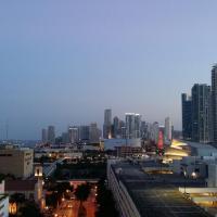 Spectatular view 1/1 Apt Dwtwn Miami