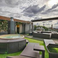 Panoramic apartment with roof terrace with Jacuzzi
