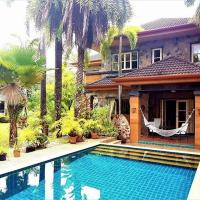 Palm Villa And Pool