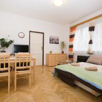 Green Fox Apartment