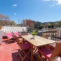 Lets Holidays Terrace apartment