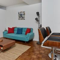 Lux 2 bedroom by Wall street