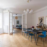 Klauzal apartment w/3 bedrooms, french balcony