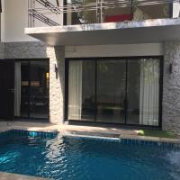 Luxury poolvilla 100 meters from the beach