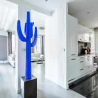 Veeve - Yves Klein Blue Dream