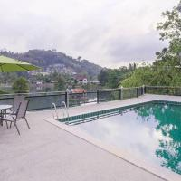 Lakeside Condominium with pool access