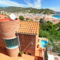 Tossa de Mar Villa Sleeps 8 Pool WiFi
