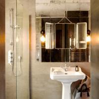 Amazing Design Flat in the Heart of Le Marais