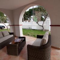 Casa 2 dormitorios a pie del mar con su jardin y parking