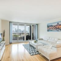 Glamorous 3 Bedroom With a Balcony View