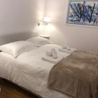 Roma-ntic Spanish steps apartment