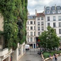 Artistic apartment center of Paris