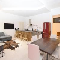 Loft directly next to Oktoberfest and downtown