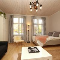 Idyllic central wooden house apartment