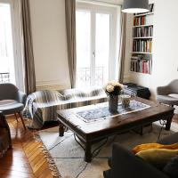 Trocadero 2BR family apartment, St Didier