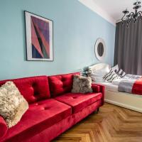 Апартаменты/квартиры, Colorful 3BDR Apartment in Old Town