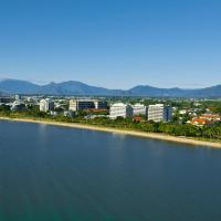 Holiday Inn Cairns Harbourside, Cairns