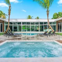 7 Bedroom Villa Toscana in Miami, Pool, HUGE Fits 16 People