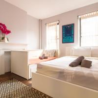 Times Square One Bedroom Holiday Flat (Sleeps 5)