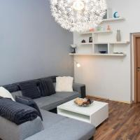 Two bedroom apartment with large living room suitable for family by easyBNB
