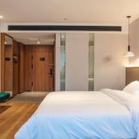 Hotels, Huairen Hotel
