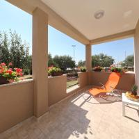 Apartamenty, Sunny and restful apartment with free parking - Lily