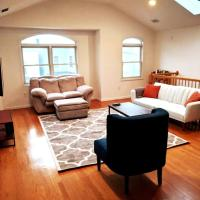 Charming 3BR Apt, Only 20 Minutes to Time Square! apts