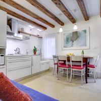 Apartamenty, Cozy Apartment up to 4 in Biennale Giardini by Bricola Apartments