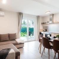 Apartments, Modern apartman kerttel és medencével