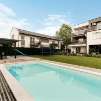 Apartments, Kiváló helyen kültéri medencés, modern apartman