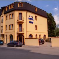 Attic Hotel