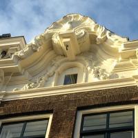 Herengracht Canal Apartment