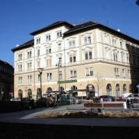 Walking Bed Budapest Hostel