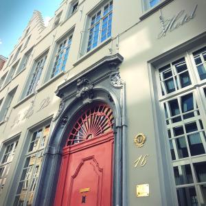 Small Luxury Hotel De Witte Lelie, Antwerp
