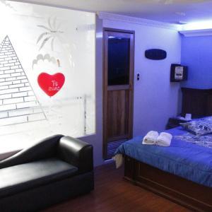 Motel Piramides De Cristal, Bogotá
