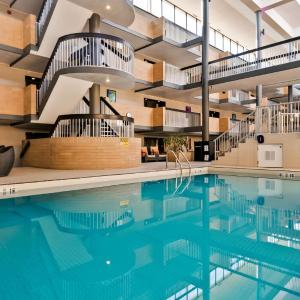 Best Western Plus Village Park Inn, Calgary
