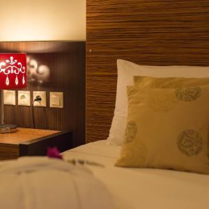 Sunrise Resort Hotel, Mythimna