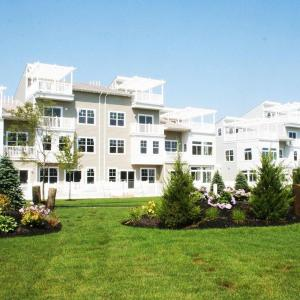 Uhome Beach Front Villa, New York