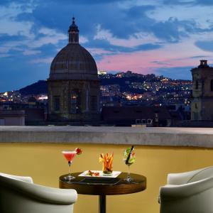 UNAHOTELS Napoli, Naples