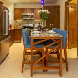 V Azul Vallarta - Luxury Vacation Rental Adults Only, Puerto Vallarta