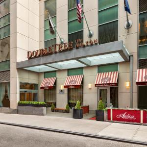 DoubleTree by Hilton NYC - Financial District, New York