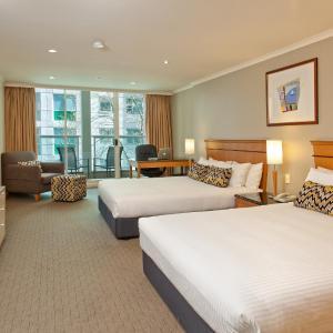 Radisson Hotel & Suites Sydney, Sydney