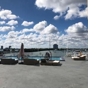 Waterfront studio-apartment in Miami Beach