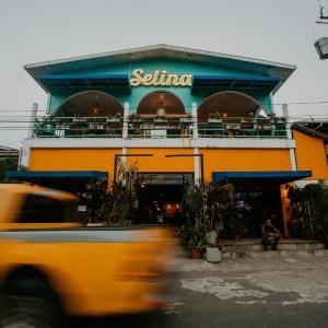 Selina Bocas del Toro, Bocas Town