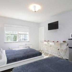 Double unit (2 Studio apartments) Miami Beach 2 mins to Ocean! in Miami Beach