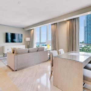 South Beach 716 Luxury 1BR Beachfront Condo-Hotel in Miami Beach
