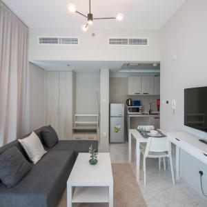 Newly Furnished Studio 5 mins to Expo Site in Dubai