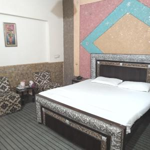 Decent palace hotel in Lahore