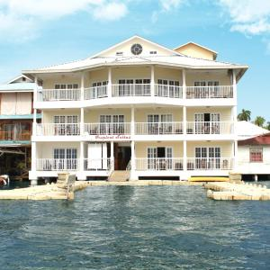 Tropical Suites Hotel, Bocas Town