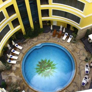 Four Seasons Place, Pattaya Central